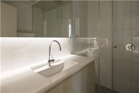 """חדר מקלחת, מישר אדריכלות ובניה בע""""מ"""