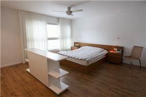"""חדר שינה, מישר אדריכלות ובניה בע""""מ"""