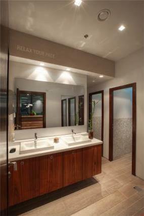 מקלחות, מישר אדריכלות ובניה בעמ