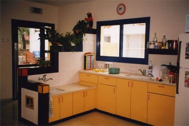 """מטבח בגן ילדים, יעד, מ""""א משגב - צור פורת אדריכלות ועיצוב"""