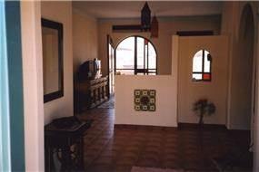 חלל מגורים, מושב ניר יפה (התענכים) - צור פורת אדריכלות ועיצוב