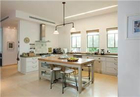 מטבח כפרי, Five Design