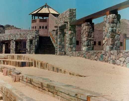 בניה באבן של מבנה ציבור - אלרוד אדריכלים