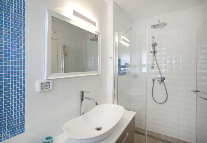 חדר מקלחת, ענבר מנגד - תכנון ועיצוב פנים
