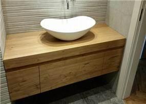 ארון עץ לאמבטיה, ליאן מטבחים