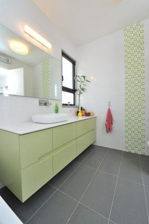ארון למקלחת בעיצוב מיוחד, נגריית מדור לדור