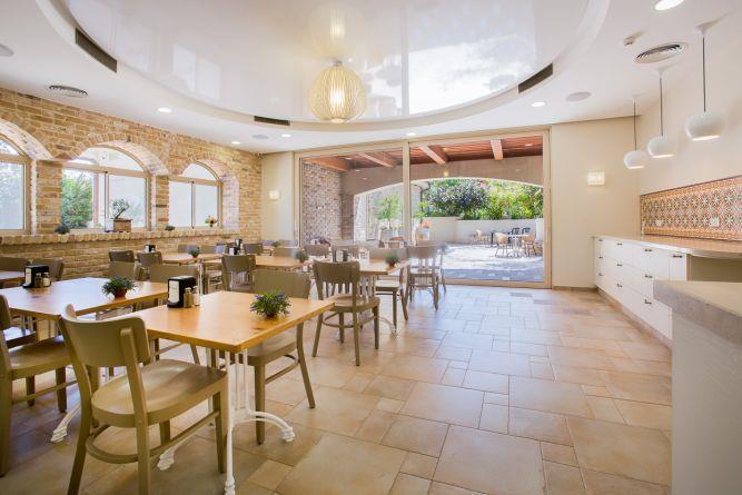 חדר אוכל במלון בוטיק- ענבל קרקו, עיצוב פנים ופנג שואי