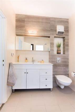 מקלחת בגן יבנה- ענבל קרקו, עיצוב פנים ופנג שואי