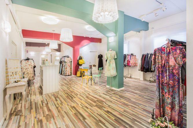 עיצוב חנות בגדים בפתח תקווה- ענבל קרקו, עיצוב פנים ופנג שואי