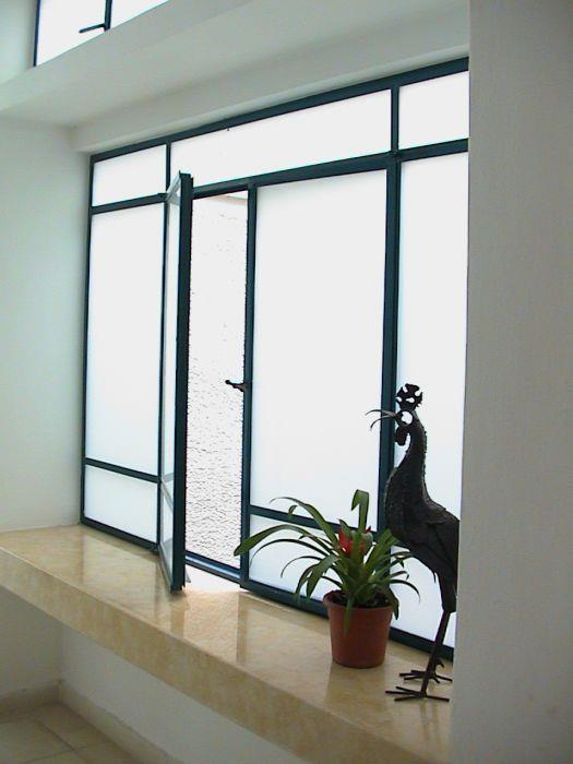 מבואת כניסה, חלונות בלגיים - הילה קרן-שטיינמץ אדריכלות ועיצוב פנים