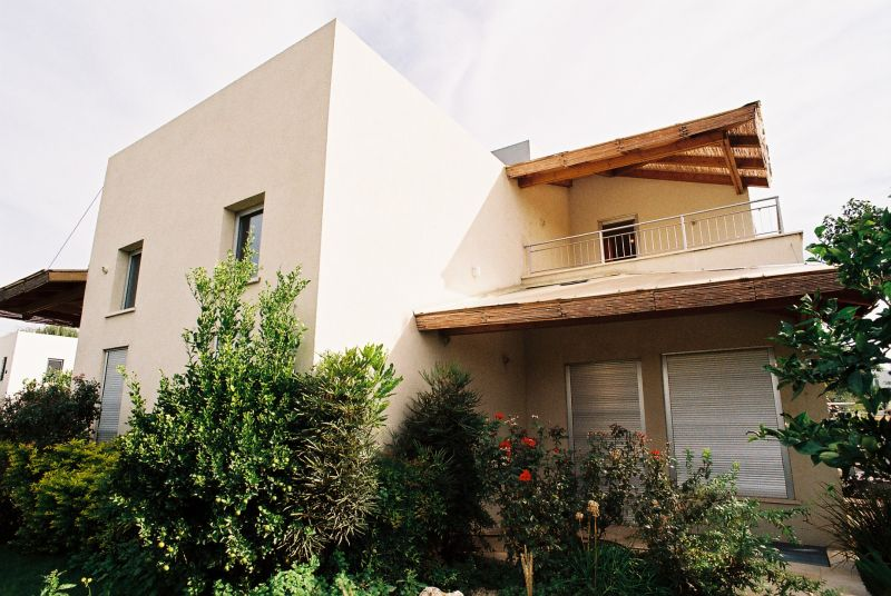 חזית אחורית באזור כפרי יוקרתי - הילה קרן-שטיינמץ אדריכלות ועיצוב פנים