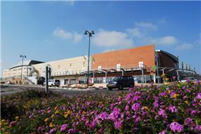 מרכז מסחרי, יקנעם - חכם בן-צבי אדריכלים