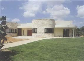"""בית פרטי, גן השומרון - א.ענבר אדריכלות ובינוי ערים בע""""מ"""