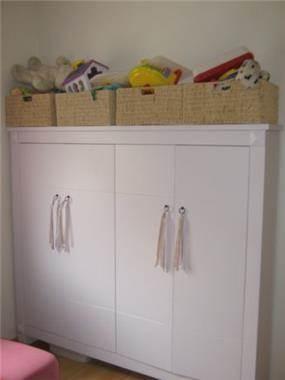 ארון לבן לחדר ילדים, דירה, הרצליה - שלי דותן אדריכלות ועיצוב פנים