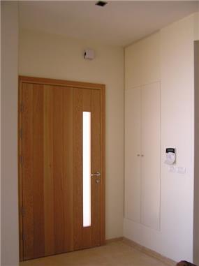 דלת כניסה - טל רגב