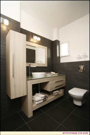חדר אמבטיה ונגרות ארון אמבטיה - אורית עיצובים