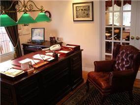 חדר עבודה בעיצוב קלאסי