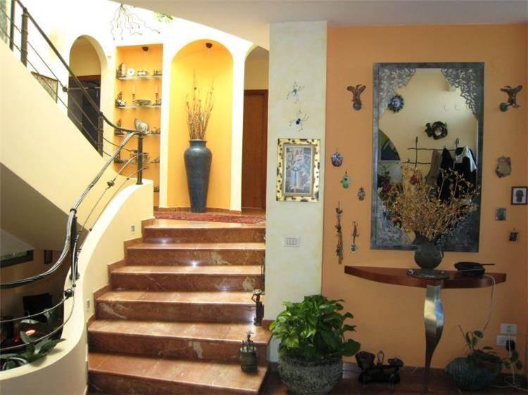 מדרגות - אילנית נחושתן מעצבת פנים ויועצת פנג שוואי