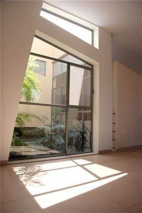 חלון מעוצב - ארזה בן אור, אדריכלות ביו קלימטית