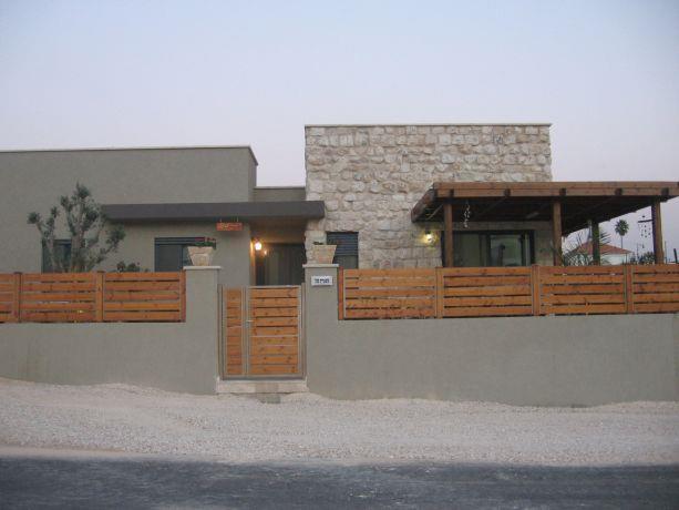 חזית בית פרטי בסגנון מודרני המשלב נגיעות כפריות- שגב אדריכלים
