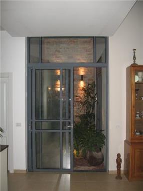 פטיו פנימי בבית מגורים- שגב אדריכלים