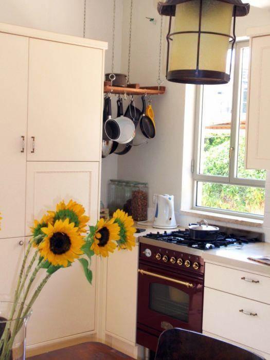 שיפוץ בית ישן בשיכון דן. חומרים חמים וטבעיים