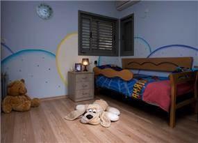 חדר של ילד בבית פרטי, כולל צביעה ייחדוית