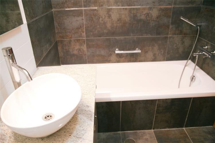 חדר אמבטיה מודרני - אורית אופיר