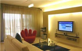חדר מגורים צעיר - אורית אופיר