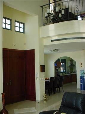 כניסה ופינת אוכל, וילה, מושב עריף - LDA Architecture & Design