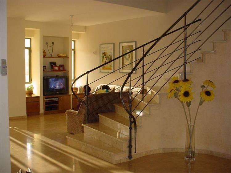 מדרגות ופינת משפחה - LDA Architecture & Design