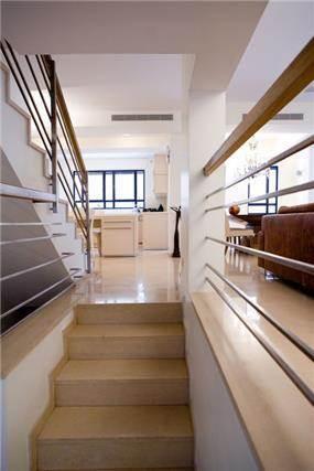 חדר מדרגות, וילה, תל אביב - ברעוז מיטל-עיצוב ותכנון אדריכלי