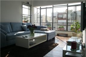 סלון, דירת סטודיו, תל אביב - ענת גפני- עיצוב פנים