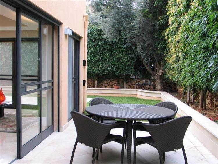 חצר, בית פרטי, רעננה - אורי עשת עיצוב אדריכלי