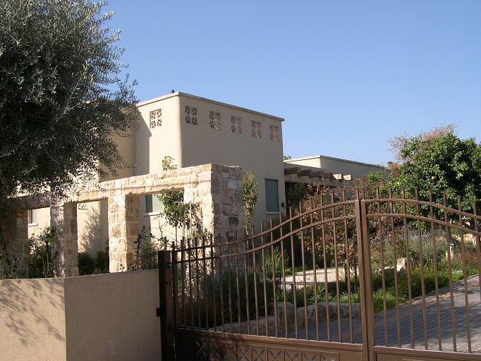 בית בשרון - יובל רגב - אדריכל ובונה ערים`