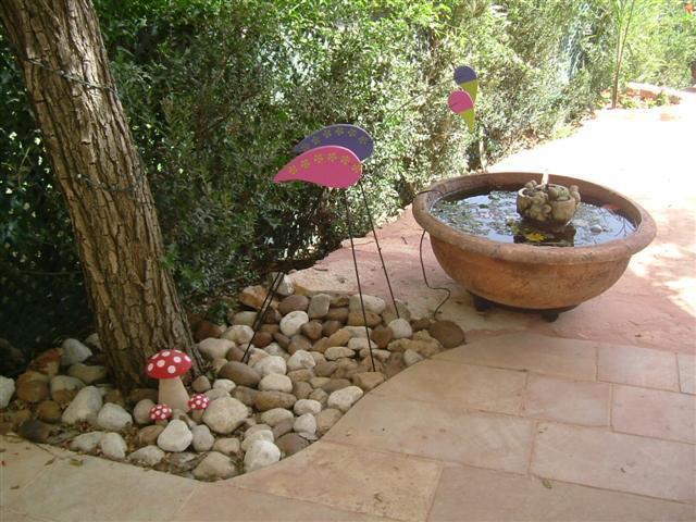 מפל קטן בחצר - ורד עיצובים