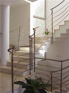 חלל מרכזי, גרם מדרגות - אוליבה נ.י. אדריכלות פנים/עיצוב