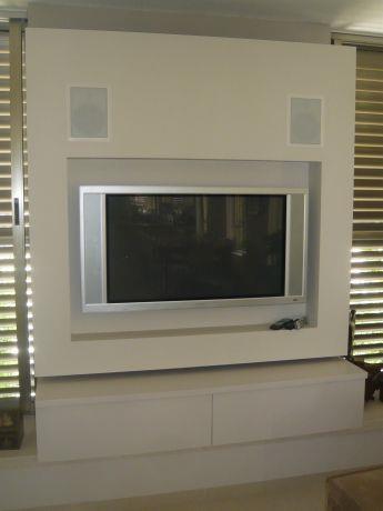 קיר מרחף ל-TV ומערכות מוסיקה