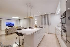 שיפוץ דירת קבלן ביבנה הירוקה - רונית גולדפריד / עיצוב ואדריכלות פנים