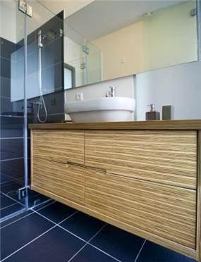 חדר אמבטיית הורים בעיצוב לילך לויט