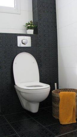 בית ברח' מבצע יהונתן, יבנה. חדר מקלחת הורים- סטודיו פרטים