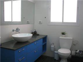 דופלקס ברחוב בר לב, אור יהודה. חדר אמבטיה מיוחד, פרטים - סטודיו לאדריכלות ועיצוב