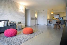 דירת קבלן ברחוב הברוש, נתניה. מבואת כניסה, פרטים - סטודיו לאדריכלות ועיצוב