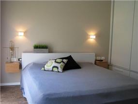 בית ברח' הגעתון, אורנית. חדר שינה - סטודיו פרטים. צילום: לינור קמפאנו.