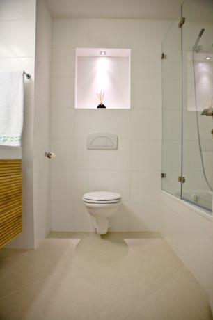 דירה בפרויקט Sea&Sun, ת''א. חדר אמבטיה - סטודיו פרטים. צילום: אבישי פינקלשטיין.