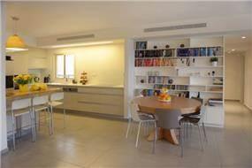דירת קבלן ברחוב הברוש, נתניה. פינת אוכל יוקרתית, פרטים - סטודיו לאדריכלות ועיצוב