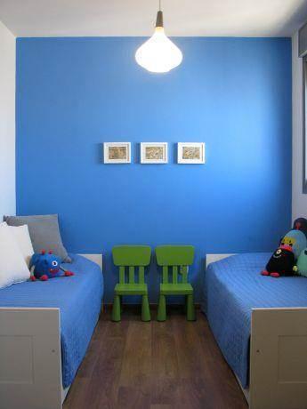 דירה ברח' משה סנה, אם המושבות, פ''ת. חדר ילדים-סטודיו פרטים. צילום: לינור קמפאנו.