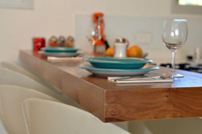 דירה ברח' קרני, ת''א. מטבח - סטודיו פרטים. צילום: אלעד גוטמן.