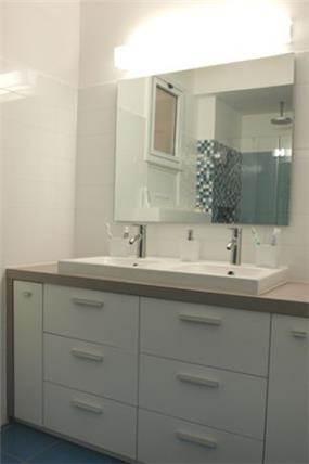 חדר אמבטיה לילדים בעיצוב סטודיו פרטים