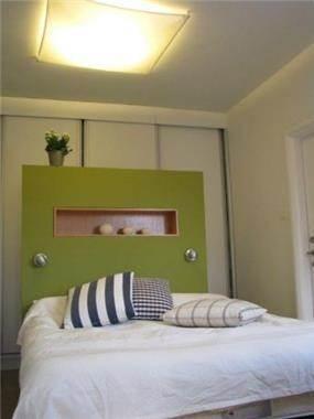 דירה ברמת השרון. חדר שינה - סטודיו פרטים.